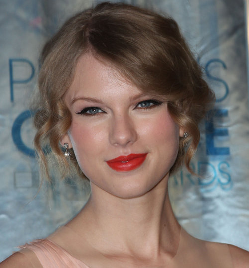 hot celebrity hairs taylor swift makeup