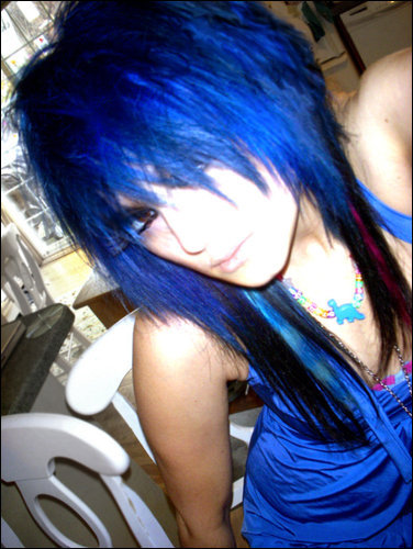 emo hairstyle girls. emo hair color girls.