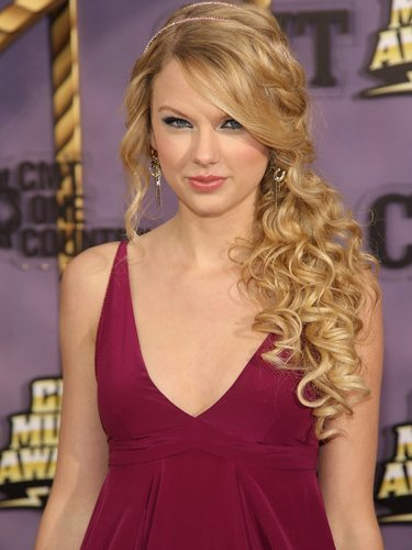 short hairstyles 2011 for prom. Prom Hairstyles 2011