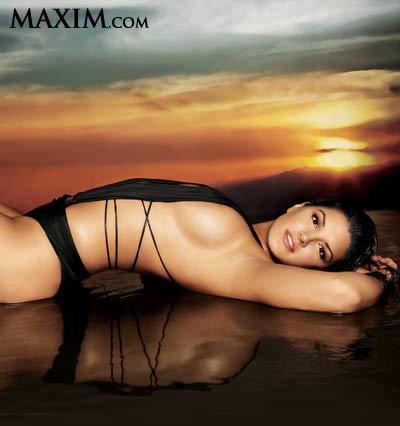 January Jones Maxim Pics