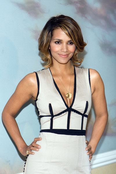 Halle Berry's New Flip Haircut and Hair Color
