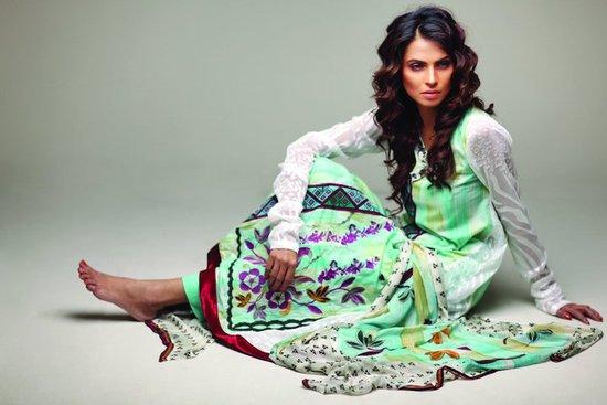 Star Pearl Lawn Collection 2011 Brand Ambassador Nida yasir 25284 2529 Nida Yasir Lawn 2011