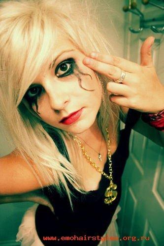 black and blonde emo hairstyles. Blonde emo hairstyles