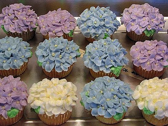 цветы и пирожные фото