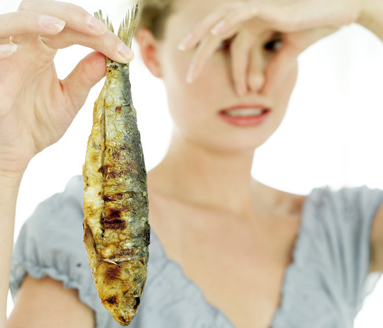What foods are the smelliest popsugar food for Why does pussy smell like fish