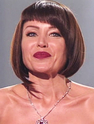 The Dannii Minogue bob hairstyle only works on straight hair, however,