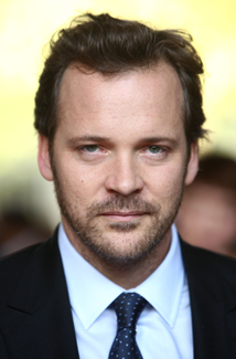peter sarsgaard in negotiations to play villain dr. hector hammond in ...
