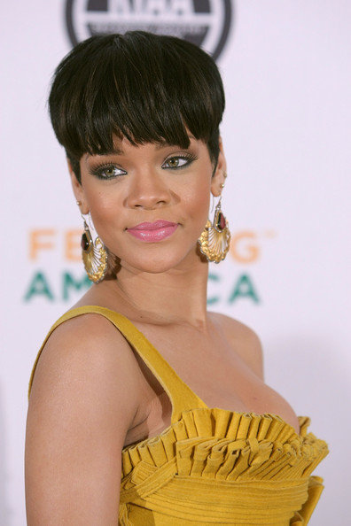 special short hairstyle at the. Rihanna New Mushroom 90's Retro Haircut