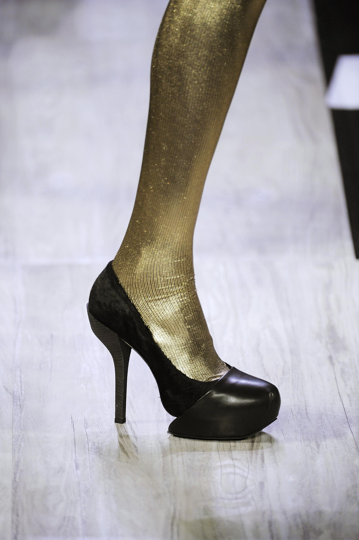 2009年纽约时装周的那些鞋 - 奔驰_海报社区_海报时尚