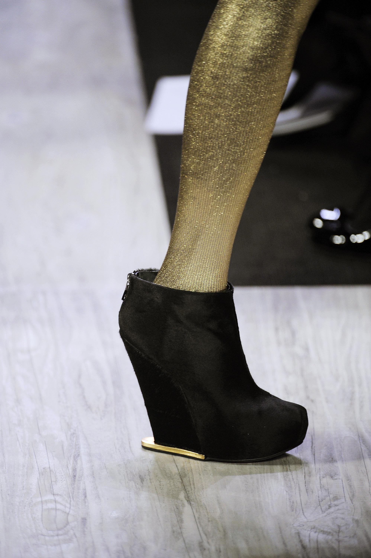 2009年纽约时装周的那些鞋 - 第5页 - 奔驰_海报互动