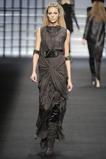 Paris Fashion Week: Karl Lagerfeld Fall 2009 | Karl Lagerfeld, runway, Gallery | Coutorture :  karl lagerfeld greige designer gown