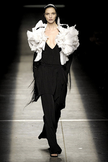 Paris Fashion Week: Givenchy Fall 2009 | runway, Givenchy, Gallery | Coutorture :  paris designer gown sexy