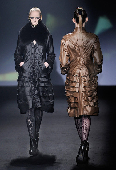Japan Fashion Week: Somarta Fall 2009 | Gallery, Somarta, 2009 Fashion Week | Coutorture :  somarta stylish chic woman