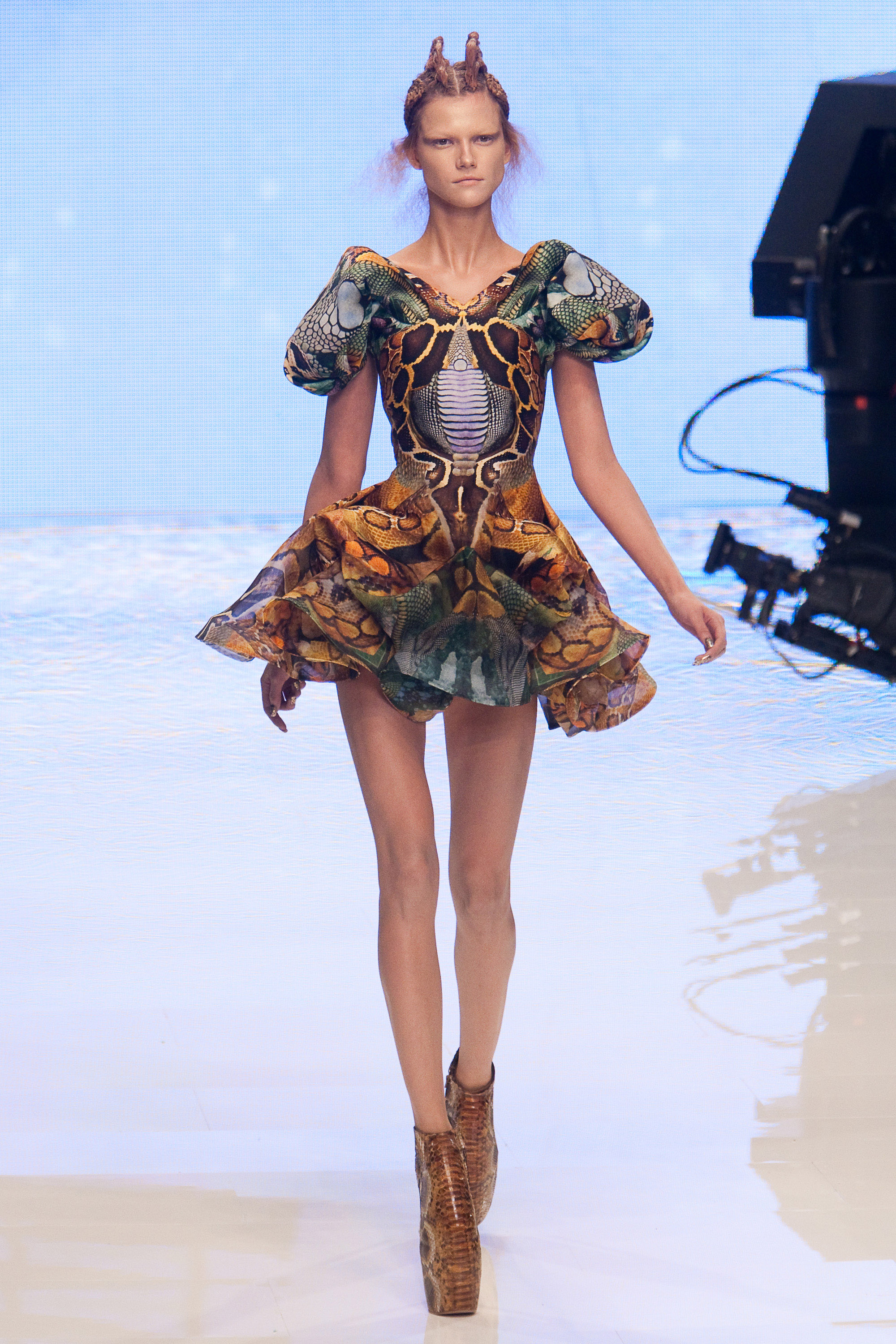 alexander mcqueen at paris fashion week 2010