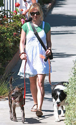 Photo of Anna Paquin & her Dog