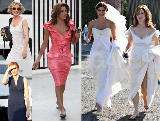 Teri Hatcher and Dana Delany in wedding gown during shooting of Despearate Housewives