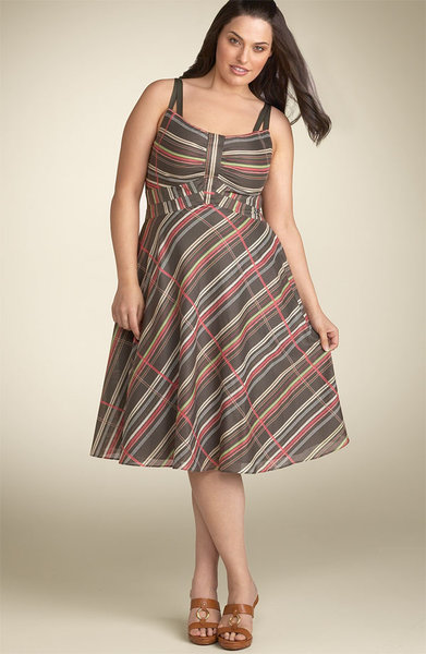 Fashionable dresses for chubby women
