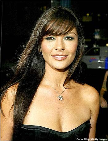 Catherine Zeta Jones The best hairstyles for round face shapes include