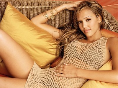 jessica alba hair highlights. Jessica Alba Hairstyles are