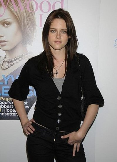 kristen stewart in twilight wallpapers. Kristen Stewart Goes From