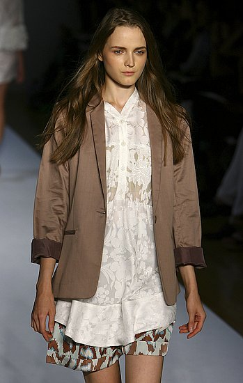 Karen Walker Spring 2009 Runway: Photo 1 of 49 | Coutorture :  spring couture textural 2009