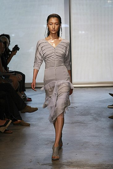 Ohne Titel Spring 2009 Runway: Photo 13 of 26 | Coutorture :  spring 2009 billowy v neckline pleated