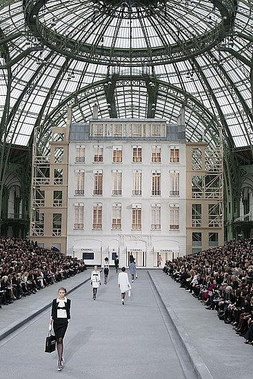 Paris Fashion Week Chanel Spring 2009 | chanel, Spring 2009, Karl Lagerfeld | Coutorture :  interior design architecture chanel fashion show