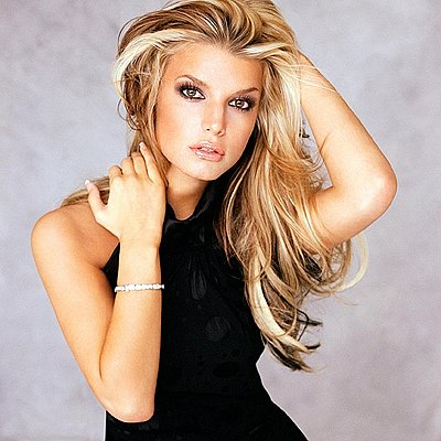 Which hair style looks better on Jessica Simpson?